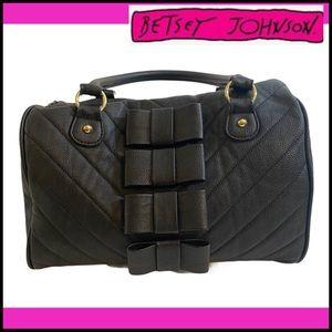 BETSEY JOHNSON BLACK 4 BOWS SHOULDER BAG